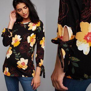 A Pea In The Pod Tie Sleeve Black Floral Top